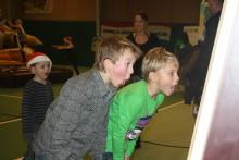 Children completely under the spell of a laughing mirror during the 2010 kids' evening